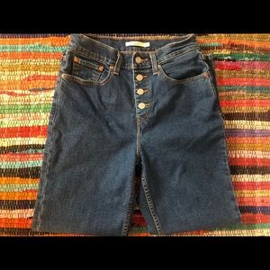 Levi's Mom Jeans 27